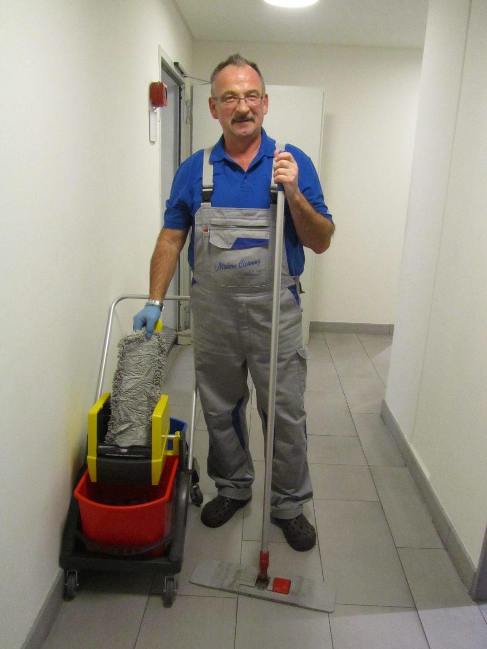 Mitarbeiter Gebäudereinigung Berlin